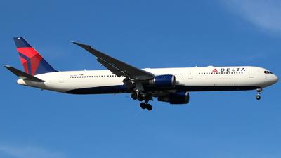 N827MH - Boeing 767-432(ER) - Delta Air Lines
