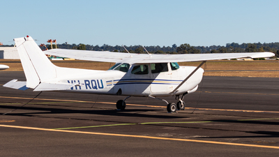 VH-RQU - Cessna 172RG Cutlass RG - Private