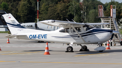 A picture of OMEVE - Cessna 182T - [T18208400] - © Łukasz Stawiarz