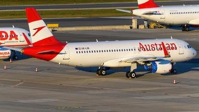 OE-LZE - Airbus A320-214 - Austrian Airlines