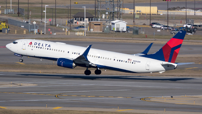 A picture of N880DN - Boeing 737932(ER) - Delta Air Lines - © Stephen J Stein