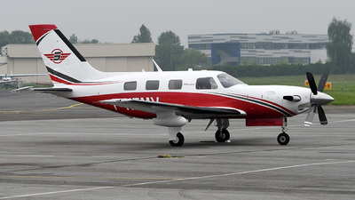 A picture of FHEMV - Piper PA46500TP - [4697337] - © bruno muthelet
