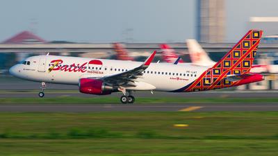 PK-LAT - Airbus A320-214 - Batik Air