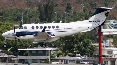 N1023P - Beechcraft B300 King Air 350 - Private