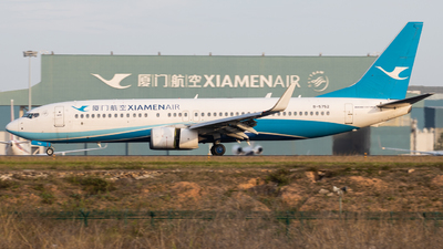 A picture of B5752 - Boeing 73785C - Xiamen Air - © Wenbin Lin