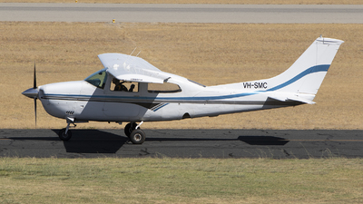 VH-SMC - Cessna 210 Centurion - Private