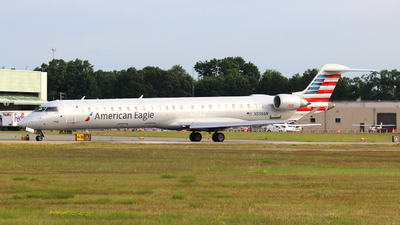A picture of N596NN - Mitsubishi CRJ900LR - American Airlines - © Guy Langlois