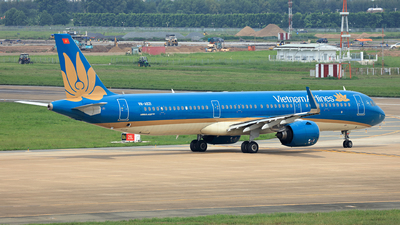 A picture of VNA621 - Airbus A321272N - Vietnam Airlines - © Hao Phan
