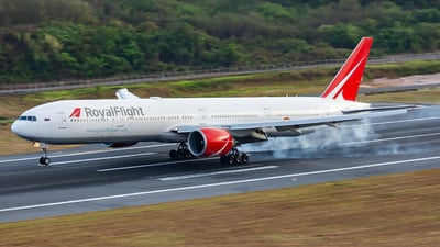 VP-BGK - Boeing 777-31HER - Royal Flight