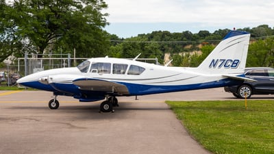 N7CB - Piper PA-23-250 Aztec - Experimental Aircraft Association (EAA)