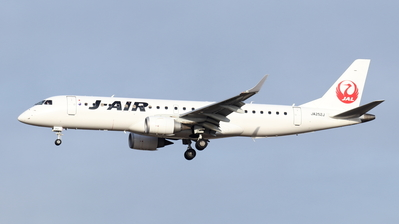 A picture of JA252J - Embraer E190STD - Noble Air Charter - © Gripen-YN