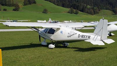 A picture of DMXYW - Ikarus C42B Cyclone - [C420165] - © Hugo Schwarzer