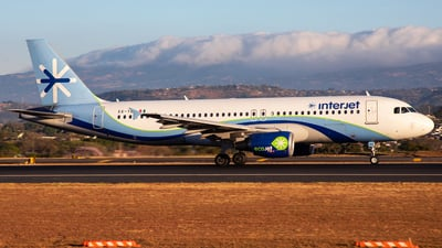 XA-YES - Airbus A320-214 - Interjet