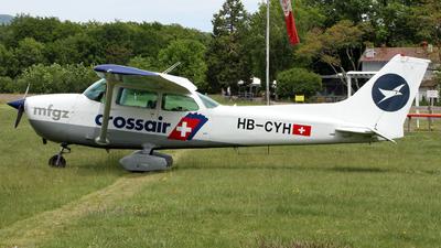 A picture of HBCYH - Cessna 172P Skyhawk II - [17274157] - © Claude Davet