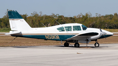 A picture of N58KM - Piper PA23250 Aztec - [277405440] - © Oliver Richter
