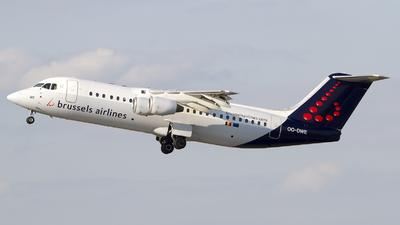 OO-DWE - British Aerospace Avro RJ100 - Brussels Airlines