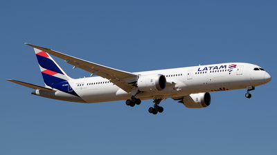 A picture of CCBGJ - Boeing 7879 Dreamliner - LATAM Airlines - © Carlos P. Valle C.