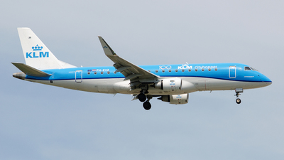 A picture of PHEXZ - Embraer E175STD - KLM - © Paul Stam