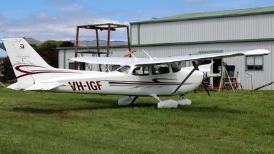 VH-IGF - Cessna 172S Skyhawk SP - Private