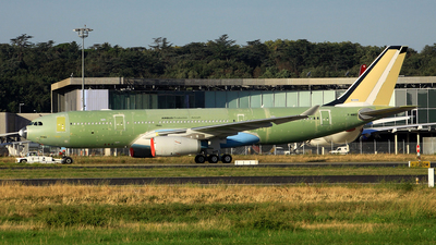 A picture of FWWKD - Airbus A330 - Airbus - © Michael Eaton