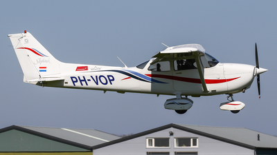 PH-VOP - Cessna 172R Skyhawk II - Private