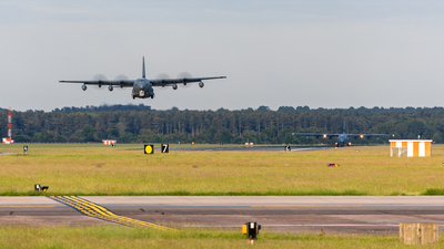 EGUN - Airport - Runway