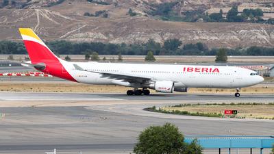 EC-LUB - Airbus A330-302 - Iberia
