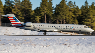 A picture of N765SK - Mitsubishi CRJ701ER - American Airlines - © Cameron Kirk