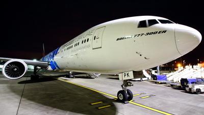 A6-EPK - Boeing 777-31HER - Emirates