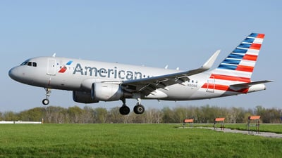 N9018E - Airbus A319-115 - American Airlines
