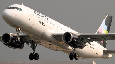 XA-VOW - Airbus A320-233 - Volaris