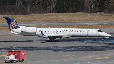 N11194 - Embraer ERJ-145XR - United Express (Commutair)