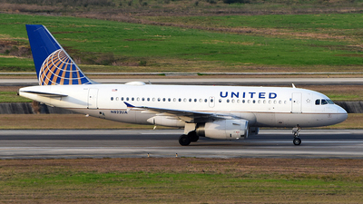 A picture of N822UA - Airbus A319131 - United Airlines - © Rocky Wang
