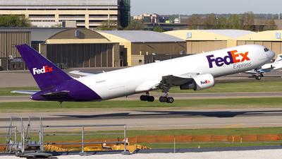 N122FE - Boeing 767-3S2F(ER) - FedEx