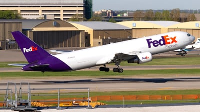 A picture of N122FE - Boeing 7673S2F(ER) - FedEx - © Jeremy D. Dando