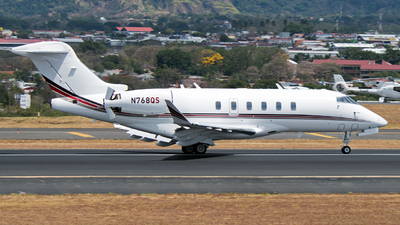 A picture of N768QS - Bombardier Challenger 350 - NetJets - © Ore