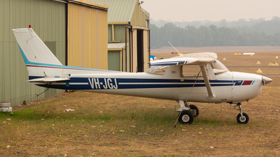 VH-JGJ - Cessna 150M - Private