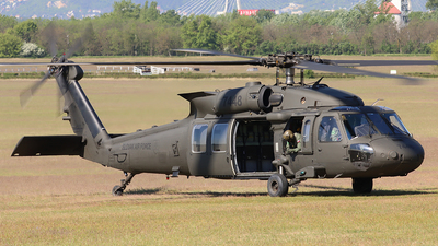 7448 - Sikorsky UH-60M Blackhawk - Slovakia - Air Force