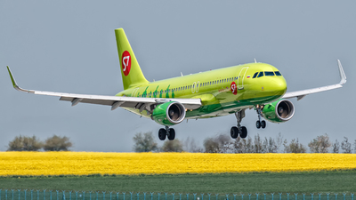 VP-BOL - Airbus A320-214 - S7 Airlines