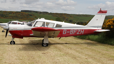 A picture of GBFZH - Piper PA28R200 - [28R35307] - © Ian Howat