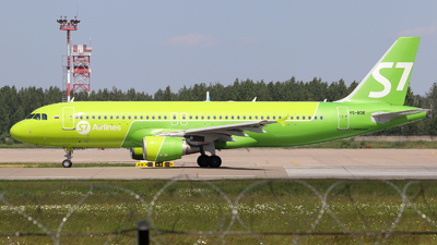 A picture of VQBDE - Airbus A320214 - S7 Airlines - © Vitaly Revyakin