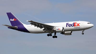 A picture of N684FE - Airbus A300F4605R - FedEx - © Len Schwartz
