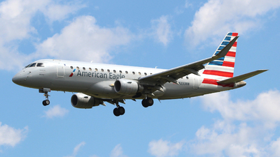A picture of N233NN - Embraer E175LR - American Airlines - © Guy Langlois