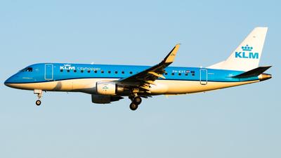 A picture of PHEXT - Embraer E175STD - KLM - © Wilko Doodhagen
