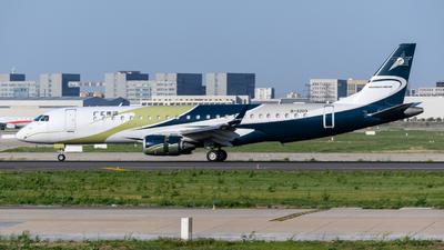B-3203 - Embraer 190 Lineage 1000 - Private