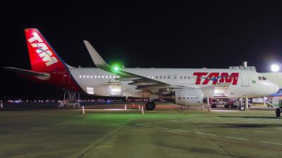 PR-TYD - Airbus A320-214 - TAM Linhas Aéreas