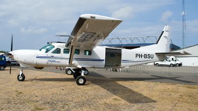 A picture of PHBSU - Cessna 208B Grand Caravan - [208B0957] - © Dutch