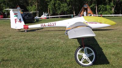 HA-4037 - Schleicher ASW-19B - Private