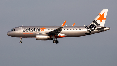 A picture of JA16JJ - Airbus A320232 - Jetstar Airways - © Zeajay