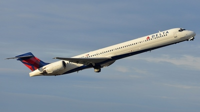 N924DN - McDonnell Douglas MD-90-30 - Delta Air Lines